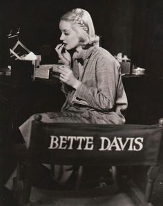 Bette Davis Gets Ready! A fun shot of Bette Davis applying her make-up before filming. For more Bette info, pics, and all things Classic Hollywood, visit my website! Golden Age Of Hollywood, Vintage Hollywood, Hollywood Stars, Classic Hollywood, Hollywood Glamour, Old Hollywood Movies, Hollywood Icons, Vintage Vogue, Hollywood Celebrities