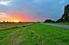Spectaculaire zonsondergang boven Batenburg #1