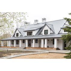 pascaldandonneaux - 0 results for architecture house Modern Farmhouse Exterior, Farmhouse Plans, Farmhouse Style, Industrial Farmhouse, New House Plans, Dream House Plans, Dream Houses, Metal Building Homes, Building A House