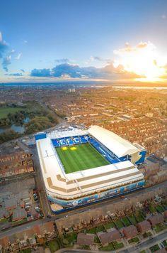 English Football Stadiums, Uk Football, Chelsea Football, College Football, Everton Fc Wallpaper, Chelsea Champions League, Premier League, Chelsea Fc Wallpaper, Soccer Art