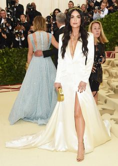 "Met Gala 2018 Theme: ""Heavenly Bodies: Fashion and the Catholic Imagination"""