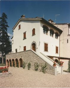 Residence Antica Villa Arezzo Antica Villa offers self-catering apartments in the heart of Tuscany, 3 km from Castiglion Fiorentino.The private park has a swimming pool, a playground and BBQ facilities.