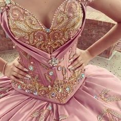 Mauve quinceañera dress - Sites new Casual Chic Outfits, Indian Wedding Gowns, Colored Wedding Dresses, Quince Dresses, Prom Dresses, Mexican Quinceanera Dresses, Vestido Charro, Sweet 15 Dresses, Bridal Lehenga Choli
