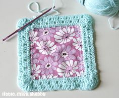 1st block back fabric square and crochet together ༺✿ƬⱤღ https://www.pinterest.com/teretegui/✿༻