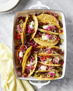 These easy ground beef tacos are a winning weeknight dinner loaded with moist, flavorful beef and your favorite toppings. Fish Tacos With Cabbage, Crispy Beef, Ground Beef Tacos, Vegetarian Tacos, Comida Latina, Slow Cooker Beef, Roasted Vegetables, Veggies, Dinner Tonight