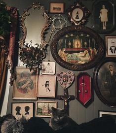 Goth Home Decor, Rooms Home Decor, Room Ideas Bedroom, Bedroom Decor, Up House, Witch House, Gothic House, Aesthetic Bedroom, The Villain