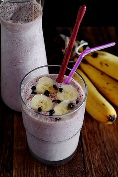 Blueberry Oatmeal Breakfast Supershake - filled with superfoods to jumpstart your day!