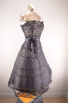 1950s party dress / Vintage bridesmaid / 50s by melsvanity on Etsy, $224.00 by daniela.pic