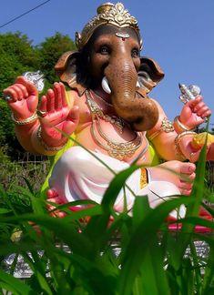 Ganesh Lord, Sri Ganesh, Ganesha Pictures, Ganesh Idol, Ganesha Painting, Ganpati Bappa, Kids Room Art, God Pictures, Krishna