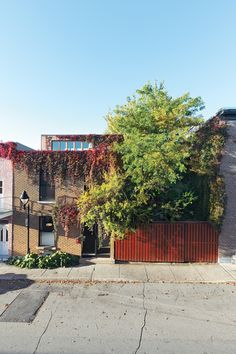 Thibault home in Montreal 9/12/2011 via @Dwell Media