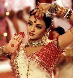 "Aishwarya Rai Bachchan | ""Devdas"" (2002)"