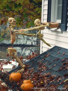 HALLOWEEN DECORATIONS / IDEAS & INSPIRATIONS: Halloween Outdoor Decorations - CotCozy