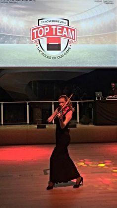Elsa at #Pavillonunicredit @violinista #top #dj #house #electricviolin #societegenerale #topteam super show