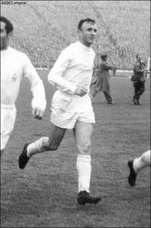 Jose Santamaria Of Real Madrid In 1960 Real Madrid Madrid Football