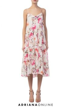 Florals and prints are so hot this season! That's way we love the Lucille Floral Tiered Dress - wear it for the special ocassions Floral Fashion, Tiered Dress, Florals, Floral Prints, Summer Dresses, Hot, Womens Fashion, Model, How To Wear