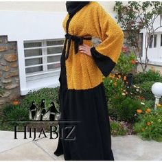 Abaya Jenah Fashion Top, Abaya Fashion, I Love Fashion, Abaya Designs, Mode Abaya, Mode Hijab, Mode Kimono, Arabic Dress, Abaya Style