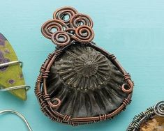 Basketweave wire bezel by Janice Berkebile - from Bezel Alternatives: 4 Ways to Set Stones (and Shells, Beads, and More) in Wire with Janice Berkebile - Jewelry Making Daily