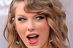 New Modern Taylor Swift Short Lace Front Brown Wavy Synthetic Hair Wig Taylor Swift Songs, Taylor Alison Swift, Rip Taylor, Braided Hairstyles, Cool Hairstyles, Wow Photo, Celebrity Wigs, Celebrity Style, Trends