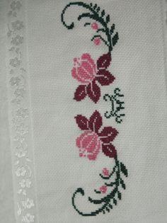 Cross Stitching, Teddy Bear, Kids Rugs, Embroidery Ideas, Cross Stitch Embroidery, Happy New Year, Cross Stitch Alphabet, Cross Stitch Patterns, Embroidered Towels