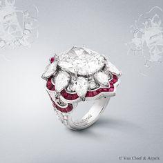 Van Cleef & Arpels Ancolie Précieuse ring, Pierres de Caractère Variations collection