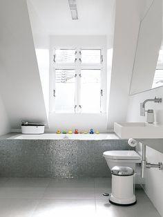Interieur inspiratie uit Kopenhagen. Voor meer wooninspiratie kijk ook eens op http://www.wonenonline.nl/