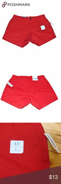 "NWT Women's Old Navy Red Dress Shorts Sz 0 Condition: NWT  Size: 0  Brand: Old Navy  Color: Red  Design: 2 Front Pockets   Length: 11""  Rise:  8"" Old Navy Shorts"