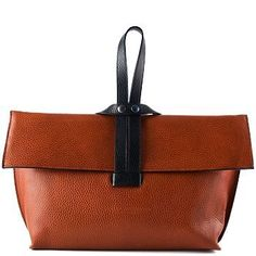 Felucca bag by Hester Van Eeghen. Gorgeous, stunning bags on the whole site. This is my favorite one! Purses And Handbags, Leather Handbags, Leather Bag, Brown Leather, Bags 2017, Handmade Bags, Beautiful Bags, Clutch Purse, Fashion Bags