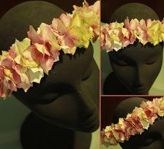 TallerdeLuna: Corona de pétalos de tela::Rosa y crema