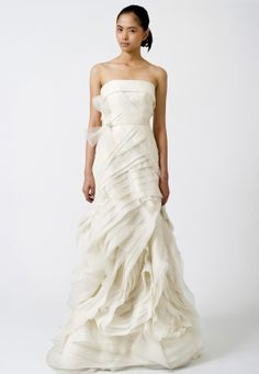 Wedding Dresses, Bridal Gowns by Vera Wang | Classics, wish it showed the back,it is just as beautiful!