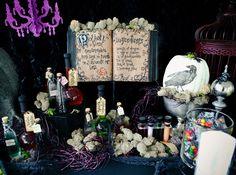Decorados originales y tétricos para una escena espeluznante en tu fiesta de Halloween / A spooky tablesetting for a Halloween party