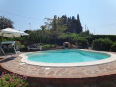 http://www.tuscanyinside.com/Country-house-10-Km-from-Volterra.htm