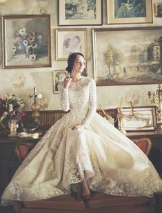 16 Dreamy Wedding Dresses With A Touch of Vintage Elegance! - 16 Dreamy Wedding Dresses With A Touch of Vintage Elegance! 16 Dreamy Wedding Dresses With A Touch of Vintage Elegance! Dream Wedding Dresses, Bridal Dresses, Wedding Gowns, Dresses Dresses, Event Dresses, Dress Vestidos, Most Beautiful Dresses, Bridal Fashion Week, Long Sleeve Wedding