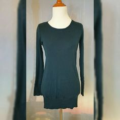GREEN LONG SLEEVE TUNIC Size 4. Green. Long sleeve. Tunic. Gently used. 100% Cotton. No stains/tears. H&M Tops Tees - Long Sleeve