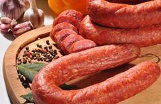 How to make Portuguese linguica sausage. sausage and veggies;recipes with sausage dinner;spaghetti with sausage;orrechiette with sausage; Linguica Recipes, Kilbasa Sausage Recipes, Sausage Crockpot Recipes, Cooking Recipes, Sausage Meals, Cajun Sausage, Sausage Meatballs, Sausage Casserole, Turkey Sausage