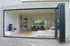 glasfaltt ren terrasse zussammenfaltend bodenfliesen offenes wohnzimmer wohnung pinterest. Black Bedroom Furniture Sets. Home Design Ideas