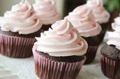 strawberry dream frosting - a mashmallow fluff-based buttercream