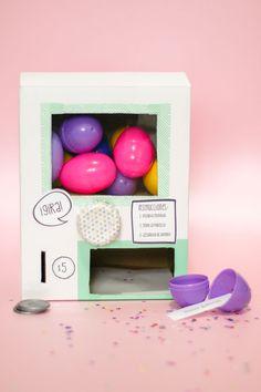 DIY Idea: Máquina de Huevitos Sorpresa - Egg Surprise Vending Machine — clo by clau!