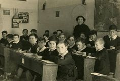 Come eravamo.... Noi che... avevamo una sola maestra che insegnava tutto.    #TuscanyAgriturismoGiratola