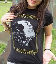 Camiseta de Star Wars mujeres  Nunca olvidar la por TrendingShirts