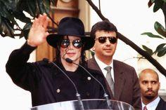 Michael Jackson à l'Institut Lumière de Lyon (France), 13 juin 1997 | Curiosities and Facts about Michael Jackson ღ by ⊰@carlamartinsmj⊱