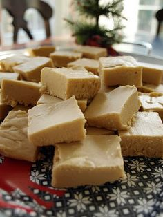 Less-Than-Perfect Life of Bliss: Yummy, Easy, Peanut Butter Fudge