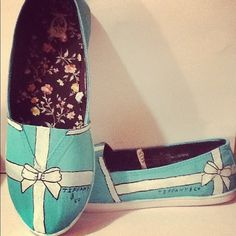 Hand Painted Tiffany Blue Shoes #blue #flats www.loveitsomuch.com