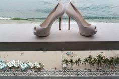 Fabio Ferreira Fotografia   Fotografia de Casamento   Wedding Photography   Sapato de Noiva   Bride Shoes   Real Wedding   Casamento   Wedding   www.fabioferreirafotografia.com   #Wedding #WeddingShoes #BrideShoes #RealWedding #FotografiaCasamento #FabioFerreiraFotografia