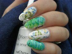 Model manichiura cu oja alba si stikere - water decals nail design Something Special, Something Blue, Nail Art, Nails, Model, Design, Finger Nails, Ongles, Nail Arts