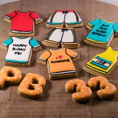 * KEEP ON RUNNING PB *  #cookiesalon #royalicing #royalicingcookies #edibleart #cookie #cookies #cookieart #decoratedcookies #customcookies #designercookies #running
