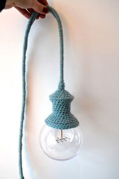 DIY case / lampshade hooks for a lamp – with crook + mop – wanderlust