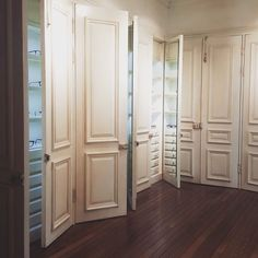 옷장 컨셉으로 꾸민 #glassesroom #옷장을열면 #gentlemonster