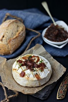 baked camembert with caramlised onion