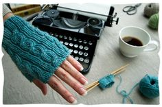 cabled handwarmers DIY Video Tutorial by:-appleturnover