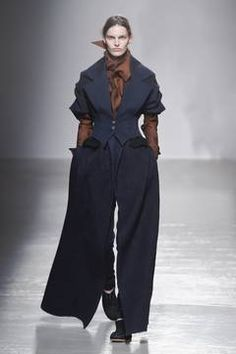 Aganovich – Paris Fashion Week 2015 Trendreport - die Kollektionen der Modedesigner im Überblick. flair berichtet live von der Paris Fashion Week